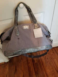 UNDER ARMOUR  STUDIO BAG - BRAND NEW WITH TAG - IN GREY