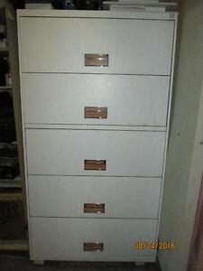 Large 5 Drawer Locking File Cabinet with Key