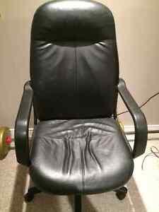 Leather Desk Chair Kingston Kingston Area image 1