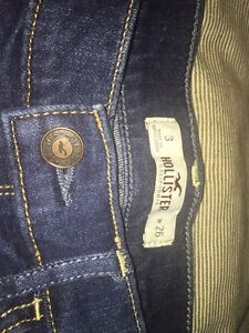 Hollister jean shorts size 3 Kingston Kingston Area image 2