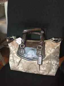 COACH - NEW! Signature Satchel Bag Oakville / Halton Region Toronto (GTA) image 1