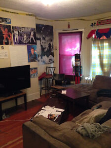 LARGE 1 BEDROOM AVAILABLE IN 4 BEDROOM APT