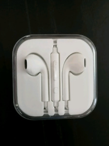 Brand new apple ear phone moving out sale