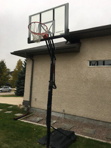 Stand Alone Rebook Basketball Post and Net