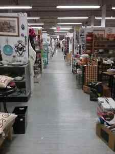 Shop Canada's largest antique mall 600 booths to explore  Kitchener / Waterloo Kitchener Area image 2