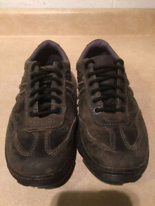 Dr. Martens Air Cushion Sole Shoes Men's Size 9, Women's Size 10 London Ontario image 4