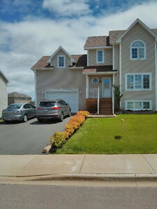 3 bdrm Townhouse w/attached garage in Riverview for sale..