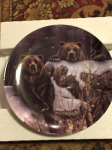 """Bradford Exchange Collector Plate """"Bears"""""""