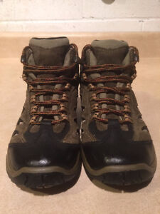 Youth Merrell Waterproof Hiking Shoes Size 13 London Ontario image 4