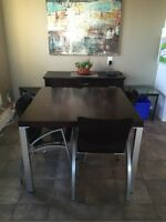 Modern EQ3 kitchen table and 4 chairs