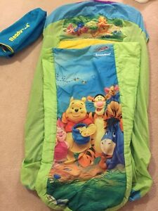Travel inflatable toddler ready bed