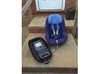 Maxi Cosi Pearl car seat & family fix base