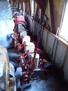 Allis Chalmers Planter 70 series, 6 row
