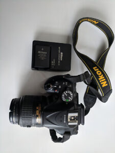 Nikon D5200 Camera with Lens, Bag and Extra Battery