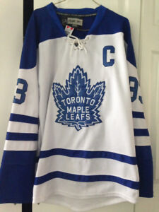 Leafs jersey - C - Gilmore. Size 48. Reebok authentic