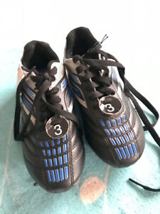 Outdoor soccer shoes size 3