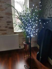 Led tree light H : 150 cm FREE silver lamp