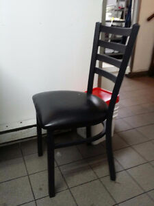 [Assomption] Chaises de restaurants (~100)