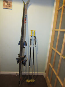 Skis, boots, poles (downhill)