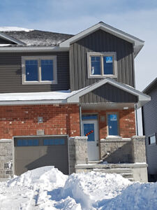 Brand new 3 bedroom town house for rent in Amherstview
