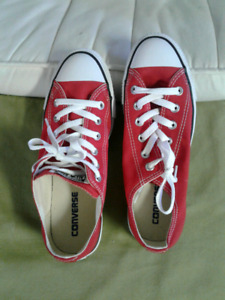 SWAP/TRADE brand new Converse sneakers