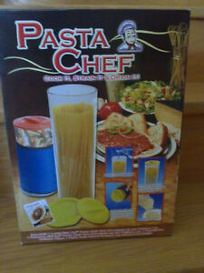 Brand new in box Pasta Chef Set Set of 3 Cook it strain it London Ontario image 1