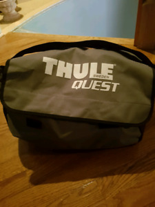 Thule Quest Vehicle Roof Travel Bag