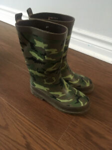 Boys Out Bound Rain Boots size 13