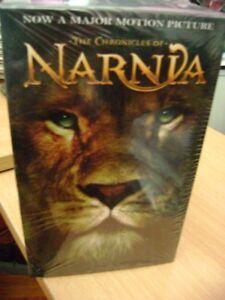 Narnia  Set of 7 novels (paperbcks)