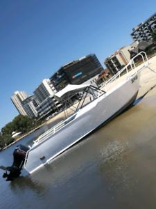 19.5ft aluminium bow-rider boat