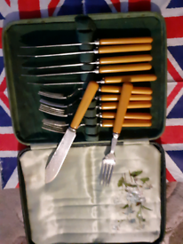 ART DECO FISH KNIVES AND FORKS BOXED SET!!£8.00.