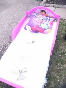 Dora the Explorer Toddler Bed - Mint Condition