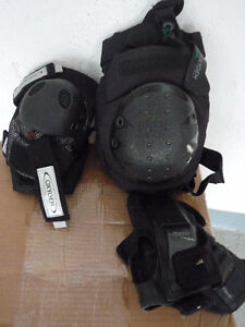 Adult woman Pre-owned Inline roller blade  & accessories Oakville / Halton Region Toronto (GTA) image 3