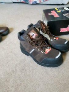 Men's shoes size 8  8.5  9 and 9.5 safety shoes