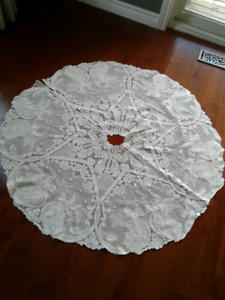 Heritage Lace Off White Angel Christmas Tree Skirt