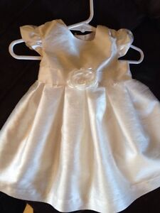 Baby girl white dress size 6 months