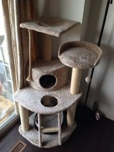 Cat tree for sale. Excellent condition.