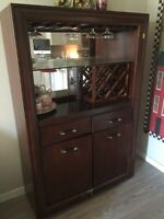 Bar hutch display