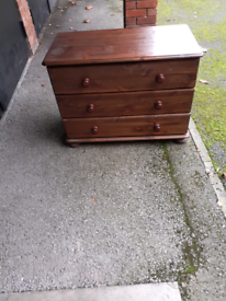 Chest of X3 Drawers