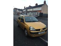 "Renault Clio "" Timmer belt gone! For scrap or for a mechanic to fix it as a project "" tow only!"