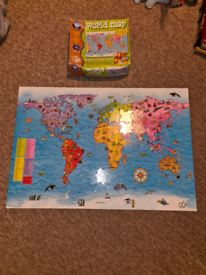 World map 150 piece jigsaw puzzle and poster