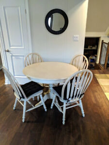 Dining/Kitchen Set - Off White - With Four Chairs