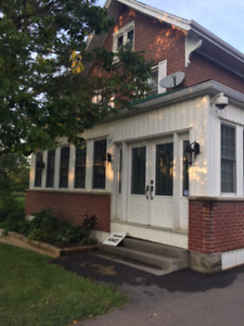 Lovely Room on 2nd floor renovated Century Home