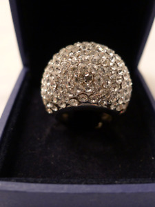 Swarovski element ring, size 6