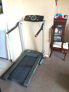 Mint Exerpeutic 350 Treadmill For Sale