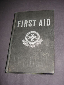 Vintage 1962 FIRST AID The St John Ambulance COLLECTIBLE