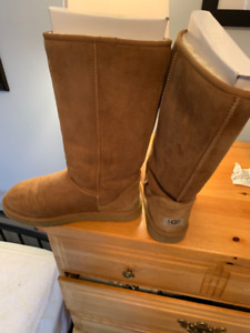 8391918b81c Chestnut Uggs | Kijiji in Alberta. - Buy, Sell & Save with Canada's ...