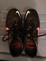 Nike soccer cleats ladies size 7