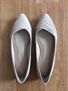 ALDO Nude Suede Pointed Toe Flats, Size 6