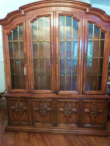 DREXEL SOLID WOOD CHINA CABINET FRENCH LEAD GLASS DOOR